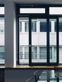 Раздвижные окна: особенности и виды конструкций