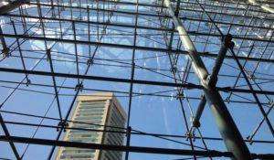Преимущества спайдерного остекления фасадов
